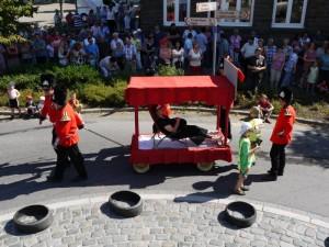 Schubkarrenrennen Morsbach_21.07.2013_017CBuchen
