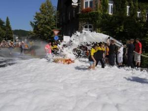 Schubkarrenrennen Morsbach_21.07.2013_022CBuchen
