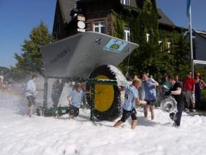 Schubkarrenrennen Morsbach_21.07.2013_027CBuchen
