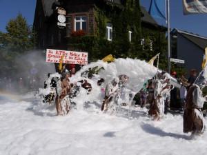 Schubkarrenrennen Morsbach_21.07.2013_028CBuchen