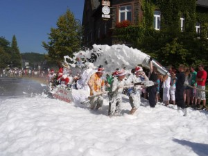K800_Schubkarrenrennen Morsbach_FotoCBuchen
