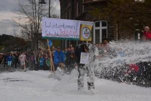 K800_Schubkarrenrennen Morsbach_26.04.2015_040FotoHJSchuh