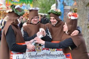 K800_Schubkarrenrennen Morsbach_26.04.2015_070FotoHJSchuh