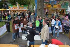 K800_Schubkarrenrennen Morsbach_26.04.2015_071FotoHJSchuh