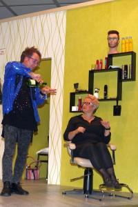 K800_Theatergruppe Morsbach Generalprobe_05.11.2015_060FotoCBuchen